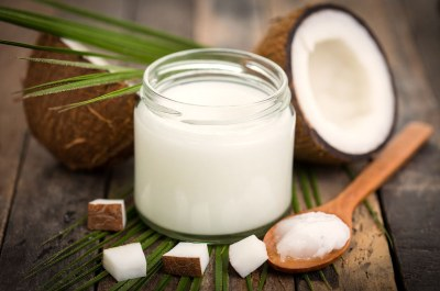 5 Best ways to use Coconut oil to treat Candida and Psoriasis at the same time