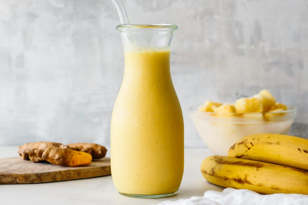 Turmeric Smoothie for candida and psoriasis